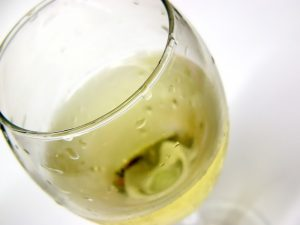 white wine damages tooth enamel